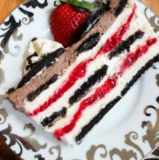 No bake oreo strawberry icebox cake layered
