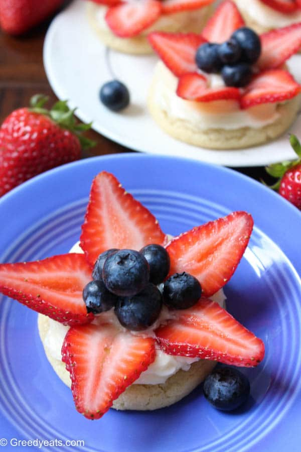Mini Fruit Pizza Cookies With Easy Cream Cheese Frosting