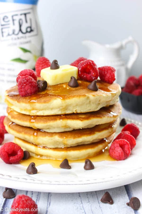 Best, quick and easy pancakes recipe made with only six ingredients and these actually taste good!