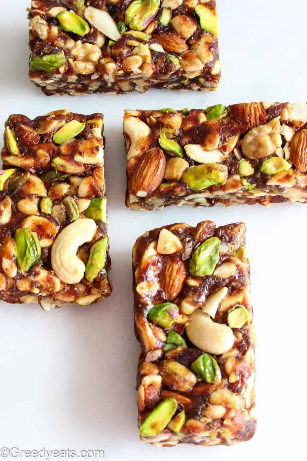 Healthy Dates Bars are the easiest Breakfast Bars that you will ever make.