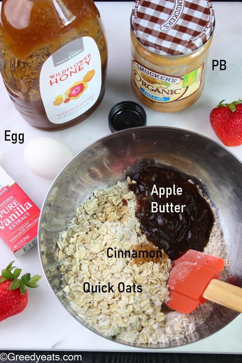Wholesome ingredients like oats, pb, honey, cinnamon to make oats bars